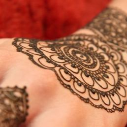Make-up artist Zutphen  (NL) Henna Tattoo Artist