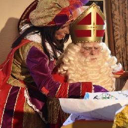 Karakter/Verkleed Schinveld  (NL) Sinterklaas en 2 Roetveegpieten huren?