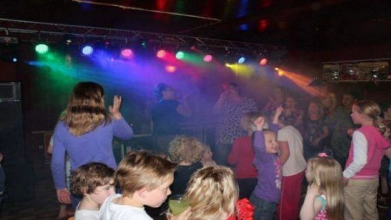 Kinder Disco Drive In Show