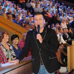 Presenter Nieuw Vennep  (NL) Rob van Rossum | Warming-Upper