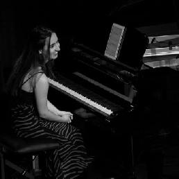 Pianist Rotterdam  (NL) Alicia Cerrada - Classical/tango pianist