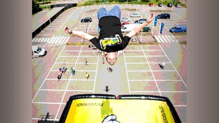 Street Dive Stunt Show