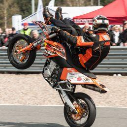 Streetbike Stunt Show