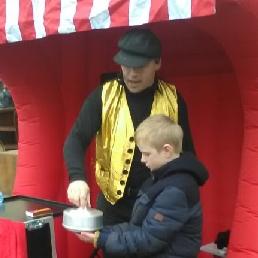 Kindervoorstelling Heino  (NL) Kindergoochelaar