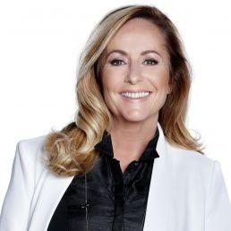 Presenter Almere  (NL) Angela Groothuizen presentatie