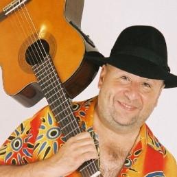 Zanger Lelystad  (NL) Caribische zanger Carlos Rivas