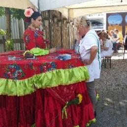 Fortune teller Lelystad  (NL) Waarzegster table act - lopende tafel