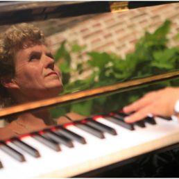Margreet Markerink (Piano)