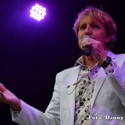 Singer Jacques Herb