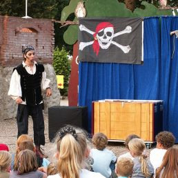 Children's show Pirate Seal: NO PANIC!