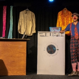 Clown Veenendaal  (NL) Clown Doedel and the launderette