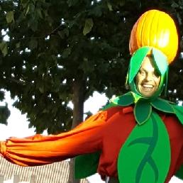 Animatie Winterswijk  (NL) Halloween: Pompoen op Stelten