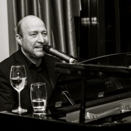 Pianist Schiedam  (NL) Pianist/zanger Rens de Ronde