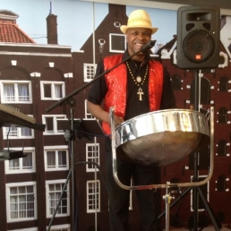 Percussionist Amsterdam  (NL) Solo Steelband Imro Aalse