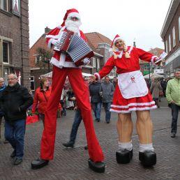 Actor Didam  (NL) Christmas couple on stilts