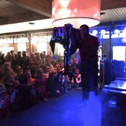 Kids show Didam  (NL) Magic show for children