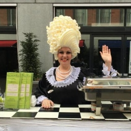 Animatie Heinenoord  (NL) Miss Mable serveerster