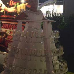 Animatie Wormerveer  (NL) Champagne Lady