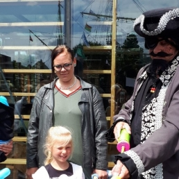 Balloon artist Den Helder  (NL) Pirate Rob at one and a half meters
