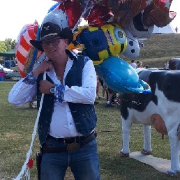 Balloon artist Den Helder  (NL) Balloon folding Cowboy at one and a half