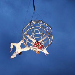 Acrobaat Amsterdam  (NL) Flying Globe