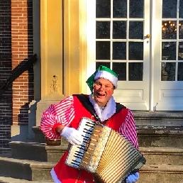Accordionist Hazerswoude Rijndijk  (NL) Muzikale Kerst Elf met accordeon