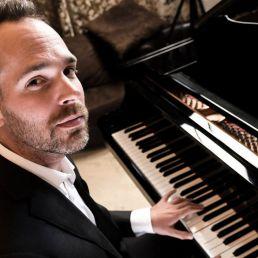 Pianist Tilburg  (NL) Pianist Joep Hullegie