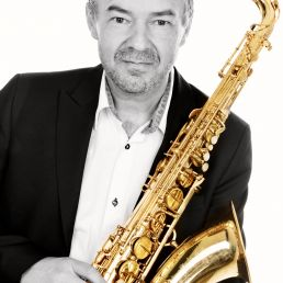 DJ Kapelle  (NL) Philip Stobbelaar Music | DJ Saxophonist