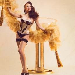 Danser Rotterdam  (NL) Burlesque Champagneglas act