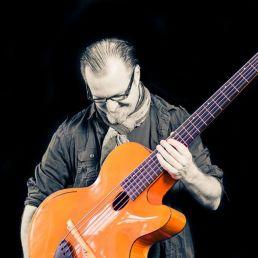 Antoine Pütz Guitarist