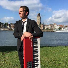 Pianist Benschop  (NL) Pianist Dennis de Bruijn