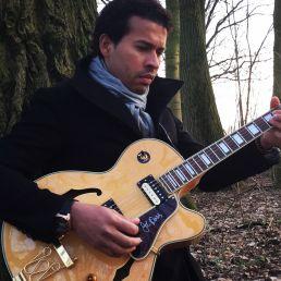 Gitarist Dordrecht  (NL) Marcos Brasil da Silva Jazz Gitarist