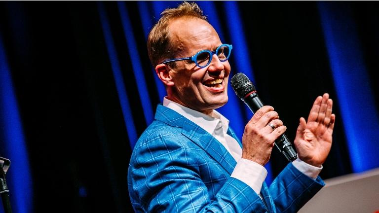 Cabaret Hattem  (NL) Online Sneldichter Willem Gunneman