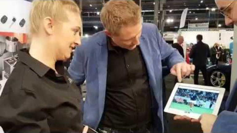Magician Zwanenburg  (NL) iMagic - Close up Magic in a modern jacket