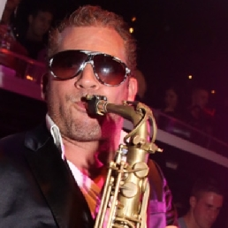 Saxofonist Maarssen  (NL) DJ & Sax Show