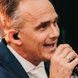 Singer (male) Veen  (NL) Henk van de Ven