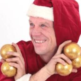 Jongleur Eefde  (NL) De OkiDoki kerstjongleur