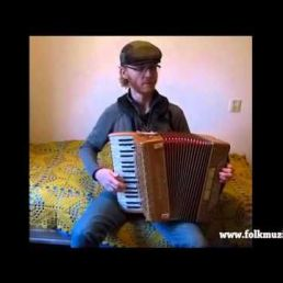 Folk accordionist Erik de Jong