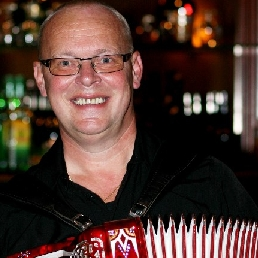 Accordionist De Rijp  (NL) Completely Dutch