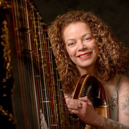 Harpist Den Haag  (NL) Carla Bos, harpiste