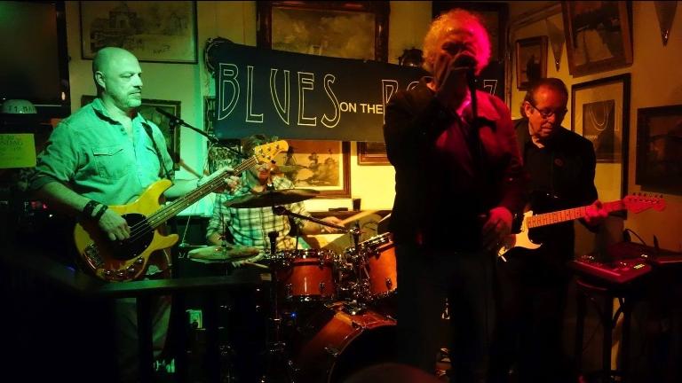 Blues on the Rockz