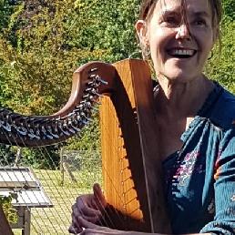 Harpist Leuvenheim  (NL) Serenade van harpiste Lies