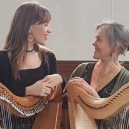 Harpist Leuvenheim  (NL) Harpkracht: 2 keltische harpen