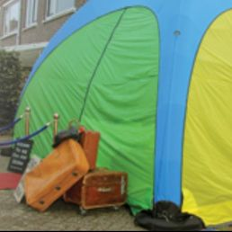 Clown Almere  (NL) Clown met Tent