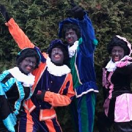 Kindervoorstelling Rosmalen  (NL) Met de pietjes op de foto