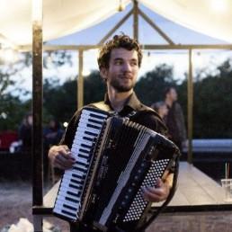 Accordionist Haarlem  (NL) Accordeonist Robin El-Hage
