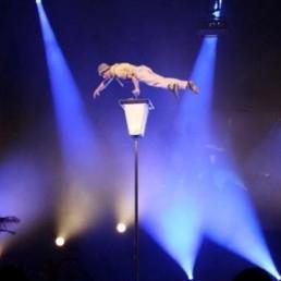 Acrobat Rosmalen  (NL) Lamppost Acrobatics
