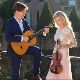 Violist Blaricum  (NL) Strings Attached - wedding music