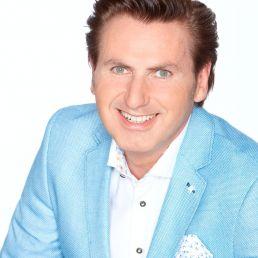 Presentator Heinenoord  (NL) Presentator Jeroen van den Berg