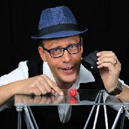 Magician Amsterdam  (NL) Table Magician Jasper Oberon
